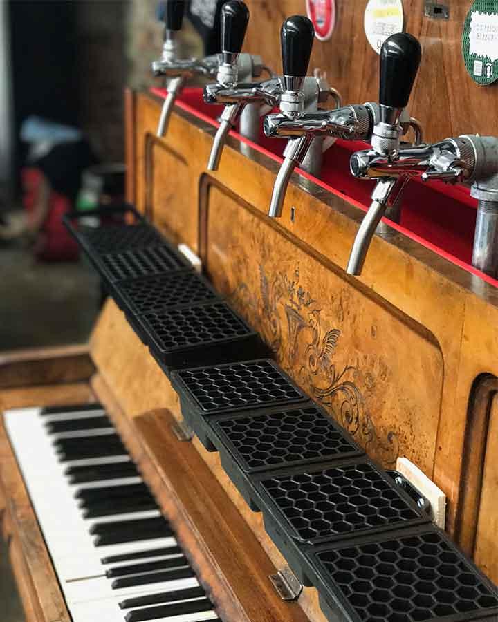 brass castle piano bar